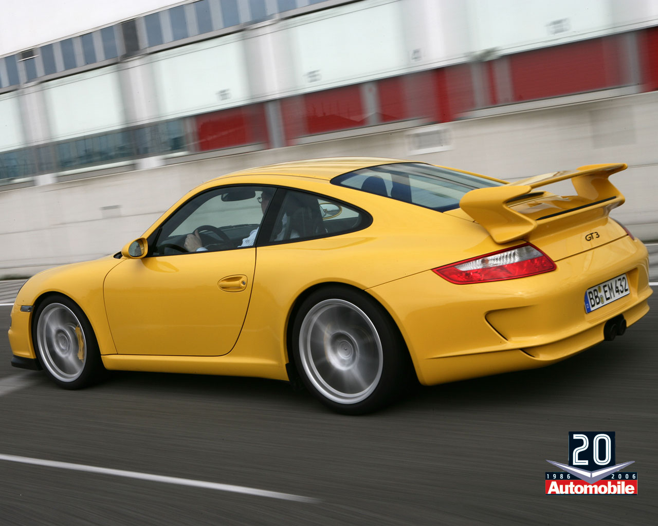 0606 2007 Porsche 911 Gt3 03 1280